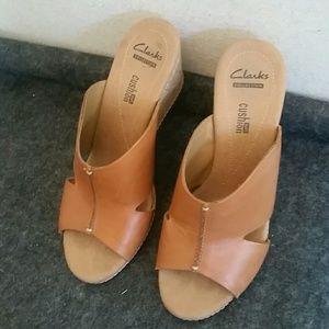 Clarks Leather Soft Cushion Wedge Sandal sz 7